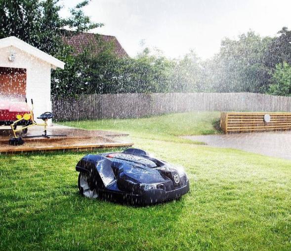 Automower funciona cuando llueve